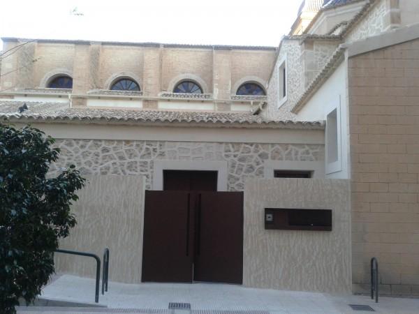 Fachada lateral iglesia San Juan Bautista Alicante
