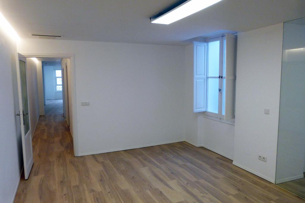 Edificio de oficinas ngel lozano 18 en el centro de for Oficinas seur alicante