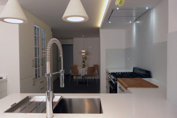 finalizada-reforma-vivienda-centro-alicante-cocina